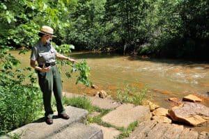 NPS-Ranger-Sheila-Holliday-Leading-a-Dam-Site-Tour.